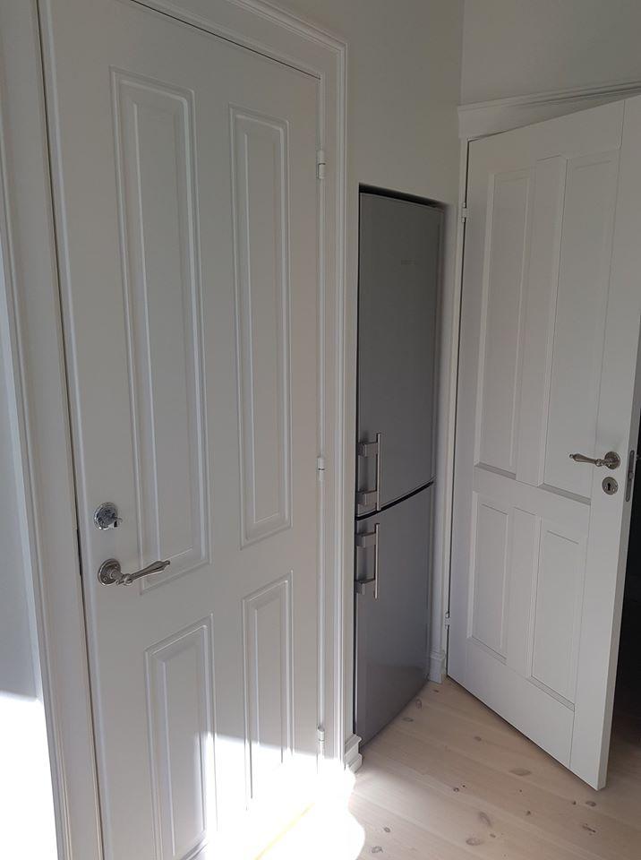 Døre og køleskab
