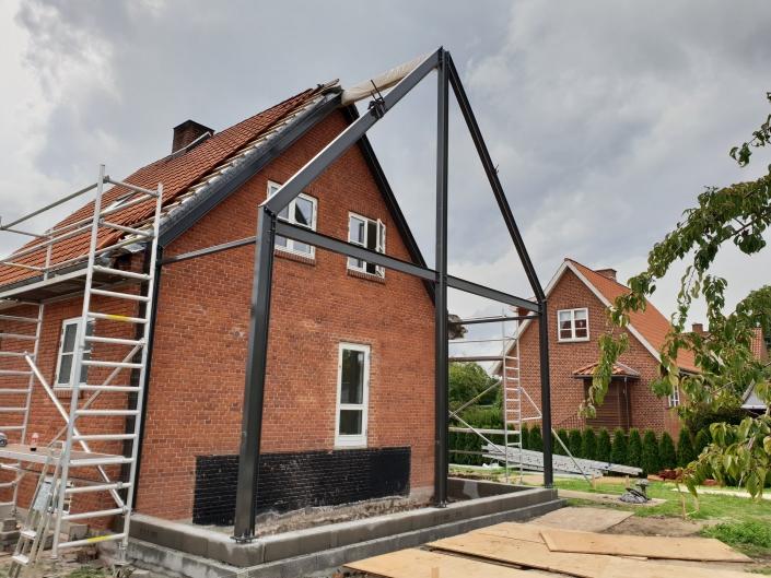 Tilbygning til hus