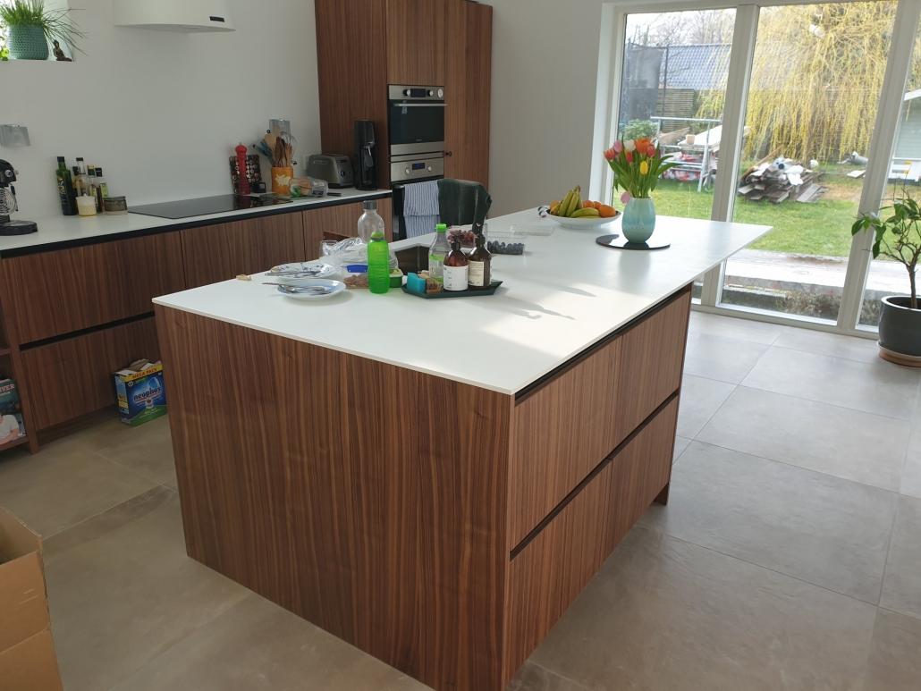 tilbygning med køkken