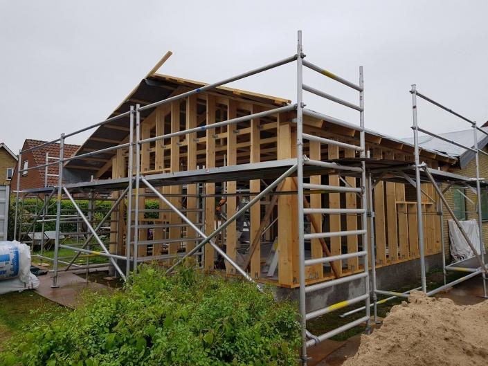 Konstruktion og tag til tilbygning
