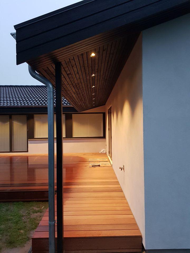 Terrasse med lys