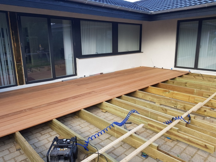 Ny terrasse i træ