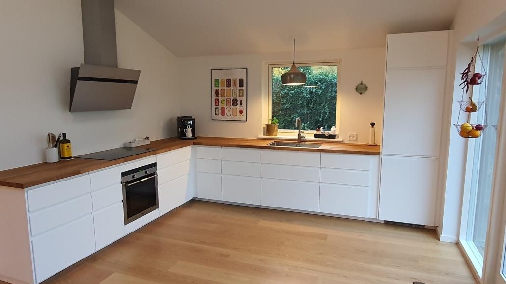 Nye tilbygning med åbent køkken alrum